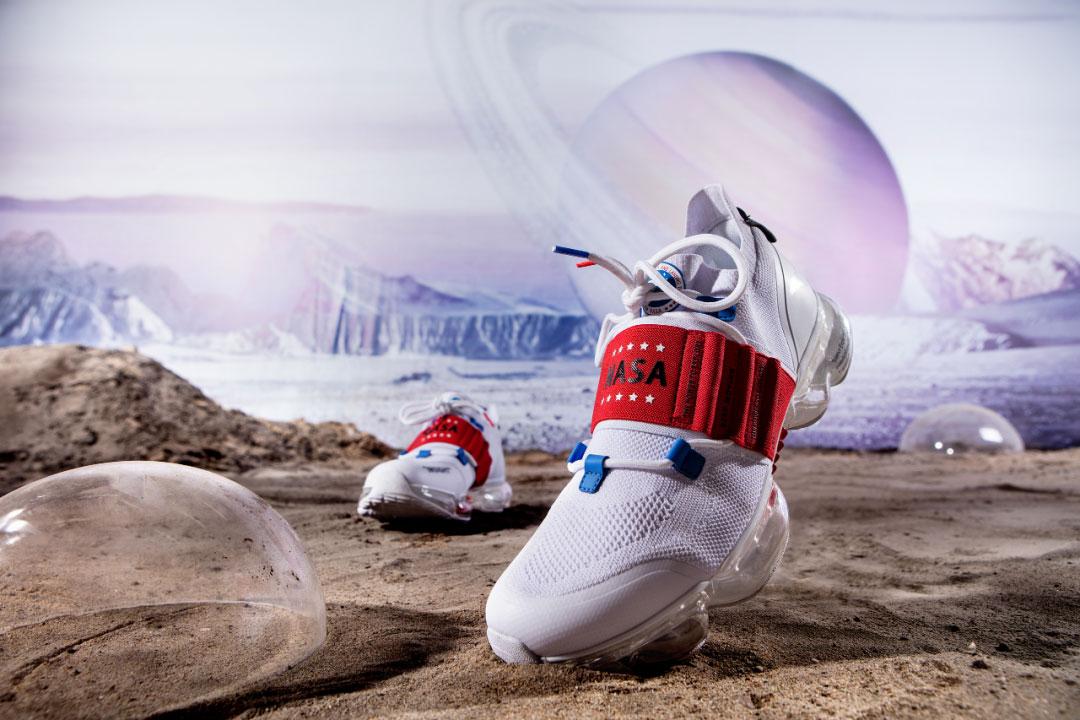 安踏与NASA合作联名款.jpg